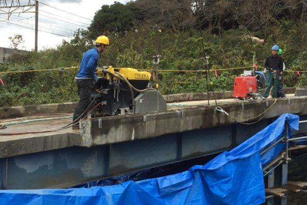 橋撤去 ワイヤーソー 2